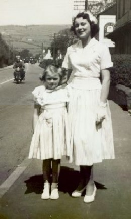 Whitsaturday dresses wedding mother and daughter.